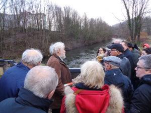 Bernard Lachambre présente l'installation hydroélectrique